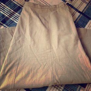 Women's plus Soft tan skirt